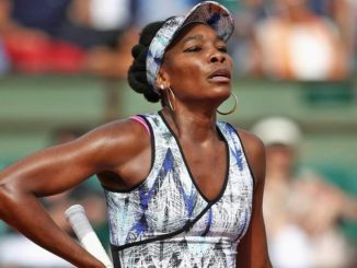 Venus Williams crashes out