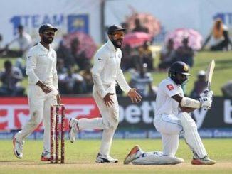 Read Scoops India v Sri Lanka