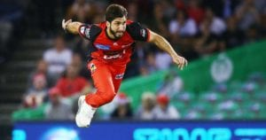 Usman Khan shines in Melbourne Renegades victory